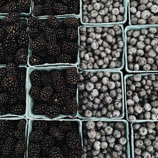 image: BLACK raspberrys by adrianasantos