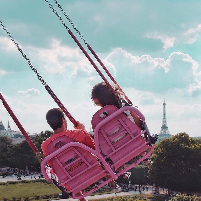 image: Summer vibes✨#paris #fujifilm #fujifilmfrance #fujifilm_xseries #Parigi #巴黎 #パリ #파리 #باريس #Париж #פריז #Streetphotography #Streetphotographyinternational #streetphotographers #everybodystreet #lensculturestreets by seb_gordon