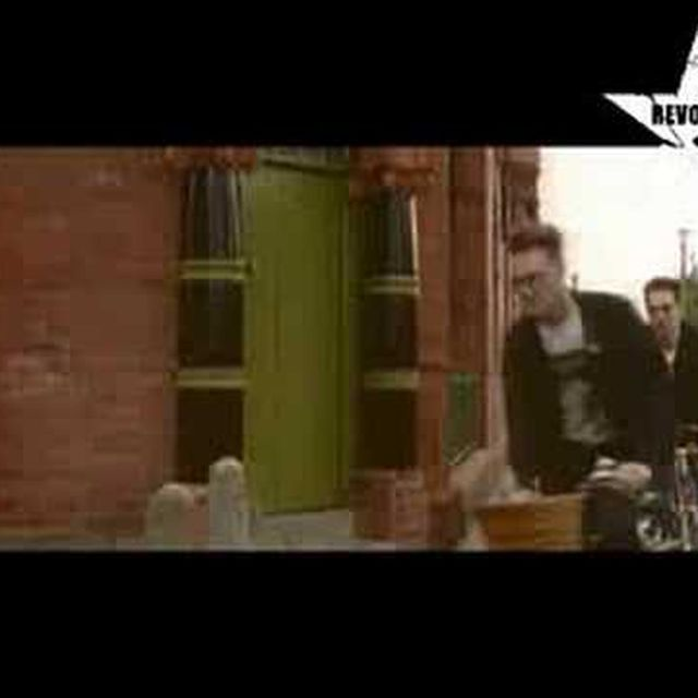 video: The Smiths There Is A Light That Never Goes Out by alevale