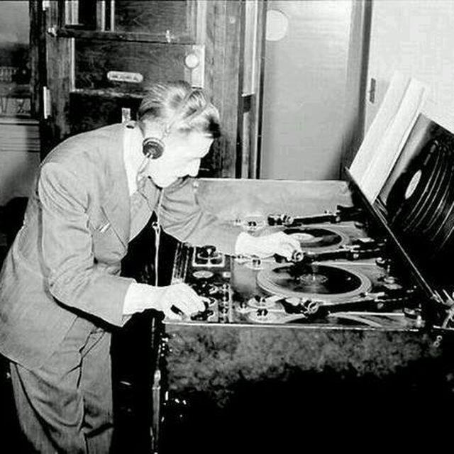 image: Old School DJ by mmacia
