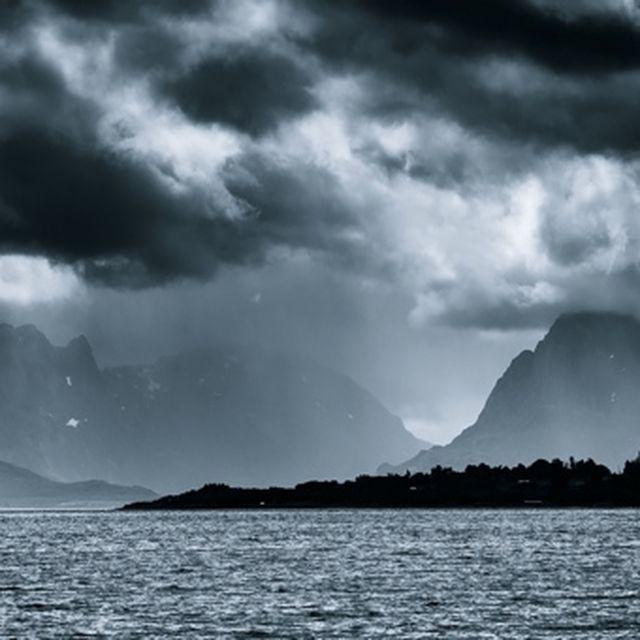 image: Lofoten by triprebel