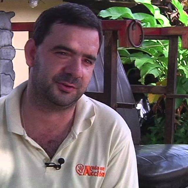 video: Irte tres meses a El Salvador y quedarte 4 años by ayudaenaccion