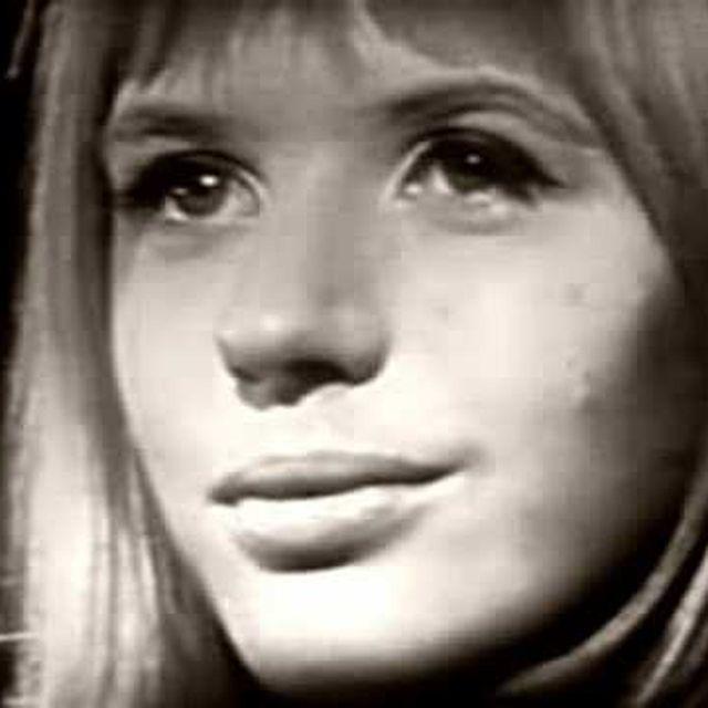 video: Marianne Faithfull - As Tears Go By by pauli