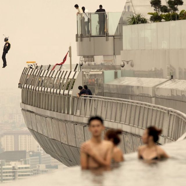 video: Marina Bay Sands Skypark BASE Jump. Singapore 2012 by mikilator