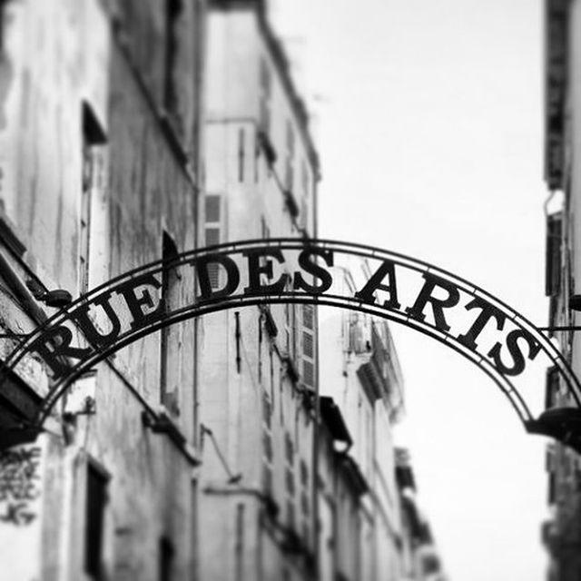 image: Rue des Arts. by javierbazan_