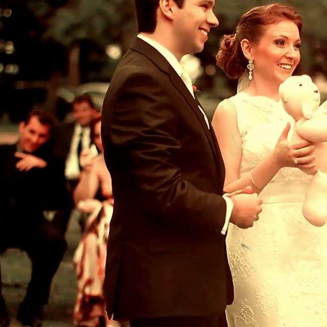 video: Wedding - Maíra e Gustavo on Vimeo by madrecita_filmes
