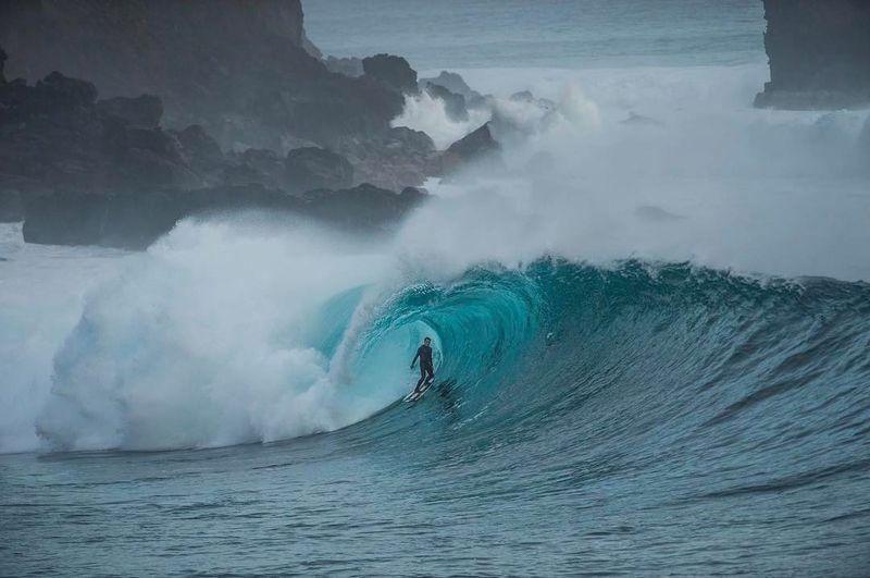 image: No me canso de ver esta foto... link en my perfil para el video entero!🐥#pacifico #surf #family 📷 @escobarphotocom by natxogonzalez