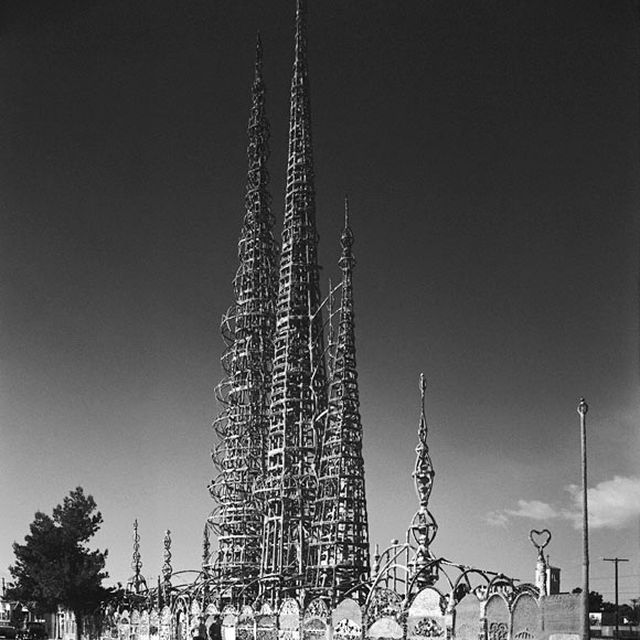 post: Café Naïveté: The Watts Towers, Los Angeles by merilin-kook