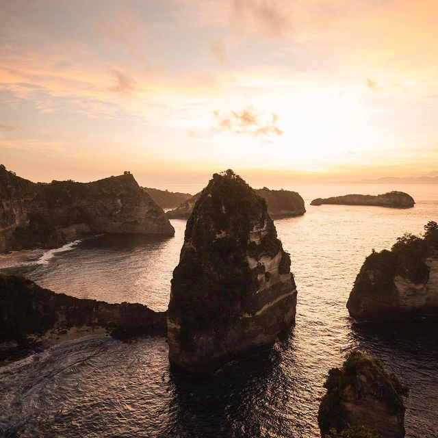 image: Gorgeous sunrises over the coast of Nusa... by josiahwg