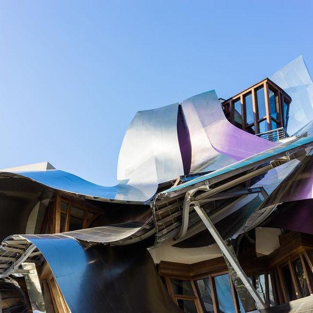 image: Arquitectura y vino ??.Más fotos en la web, que por cierto está en pleno proceso de traslado ??? by misswinter
