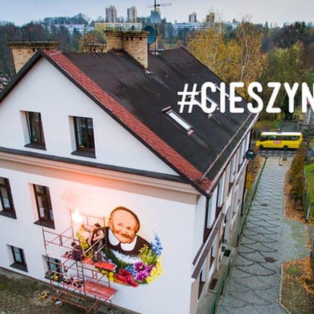 video: Mural of Irena Sendler by wastedyouth
