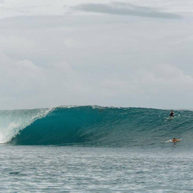 image: Go luchooo! - moments from the mentawais. Daydreaming with a broken foot ? photo by @ellenmarytaylor by tiago_kerber