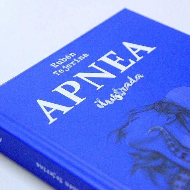 image: Cada poema de APNEA está ilustrado por un artista ??? Aquí va unas cuantas imágenes del libro con obras de @albert.vila, @mercisrossetti, @jaumemontserrat ,@jav_rubin, @ral_artworks , @lalauri @_drasan_ @naranjalidad, aunque faltan muchos más! Descúbrelos by elisaancori