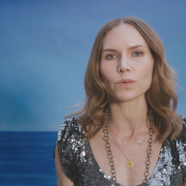 video: Nina Persson - Animal Heart by stiina