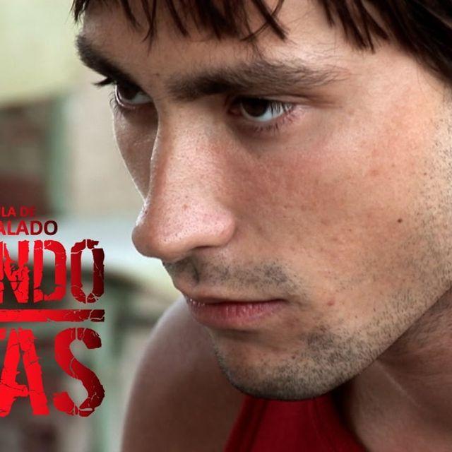 video: CRIANDO RATAS (Película completa) by boton