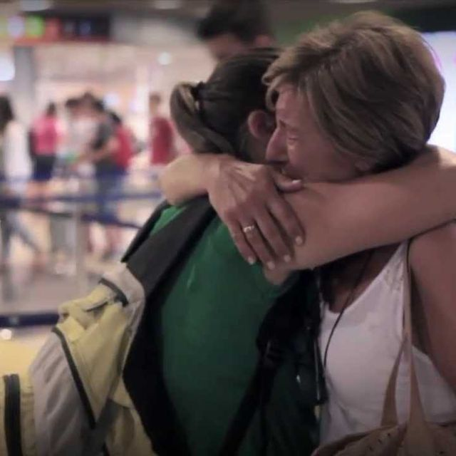 video: LA SORPRESA: Dedicado a todos los que están lejos. by carlos-ramoswipeout