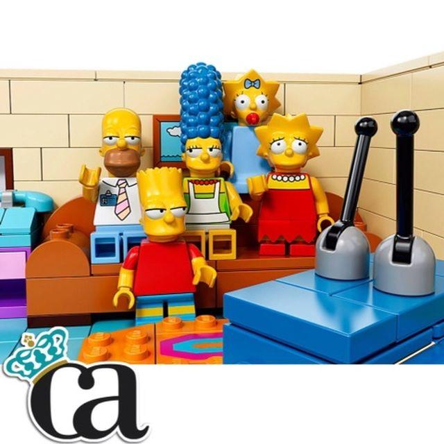 image: LOS SIMPSONS SE CONVIERTEN EN LEGO by carlosarnelas