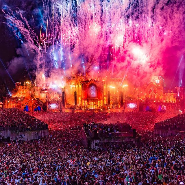 video: Tomorrowland 2015 | Official Aftermovie by pati