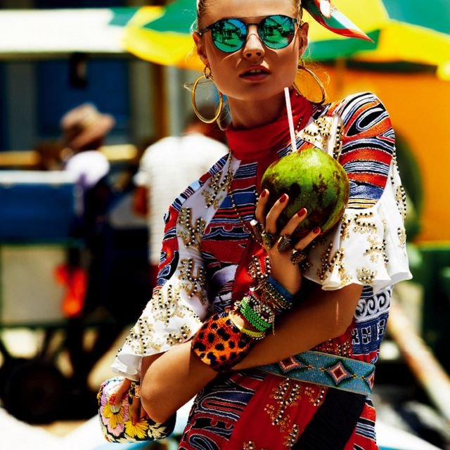 image: Color explosion and mirror sunnies by mariodelarenta
