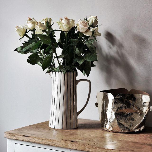 image: Mignonne, allons voir si la rose ... #bouquet #monopista #monoprix #ad #mespetitespaillettes #picoftheday by mespetitespaillettes