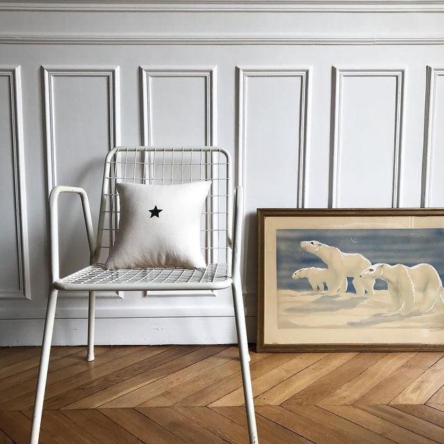 image: Deco polaire ⭐️ ce tableau m'est cher, offert par ma petite maman il y a plus de 20 ans !! #home #deco #emuvintage #mespetitespaillettes #florencebouvier by mespetitespaillettes