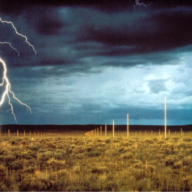 image: Land Art: Lightning field by paulojfutre