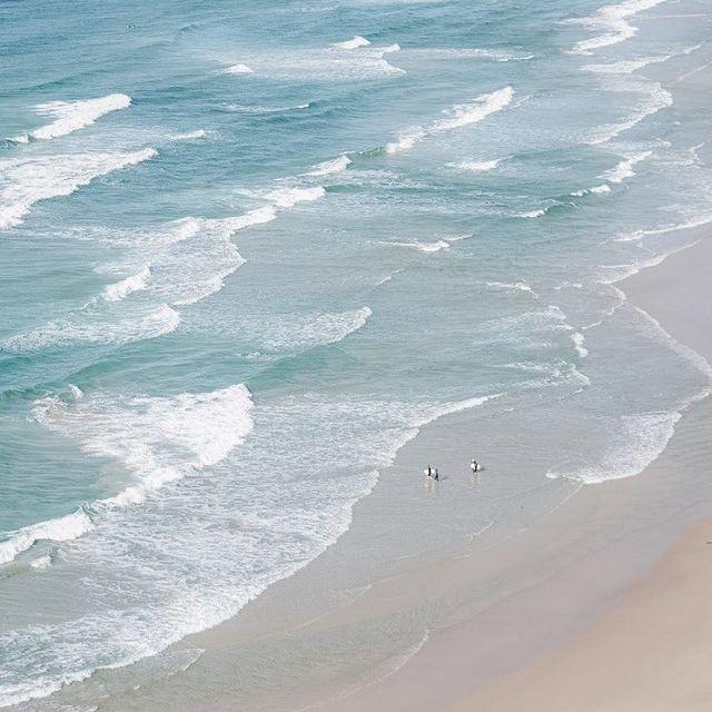 image: Big waves... -----#minimalmood#ig_catalonia#rsa_minimal#uoonyou#lesphotographes#cerealmag#primerolacomunidad#fotoline_es#transfer_visions#igrecommend#ig_photostars#minimalha#kinfolk#ig_masterpiece#darlingmovement#clikcat#hallazgosemanal#unlimitedminim by mercemillan