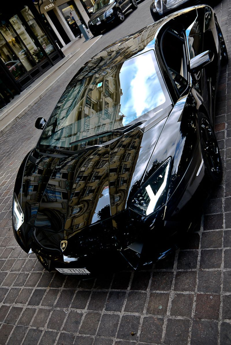 image: Lamborghini Aventador by cesaryatt