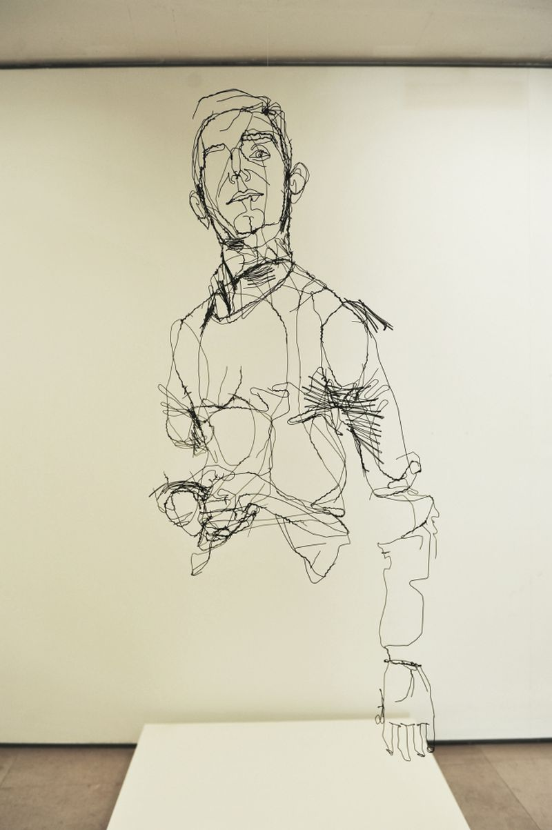 image: David Oliveira Draws Pictures With Wire by aliceandgabriella