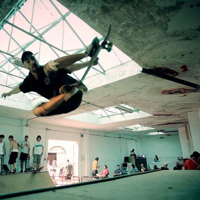 video: Indoor en La Tabacalera by bass