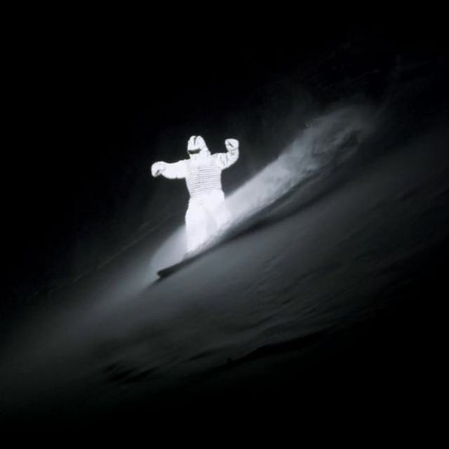 video: snowboard at nightime-Glowing Man HD by bolt