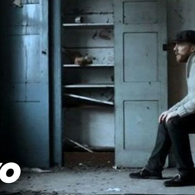 video: Alex Clare - Too Close by avkat