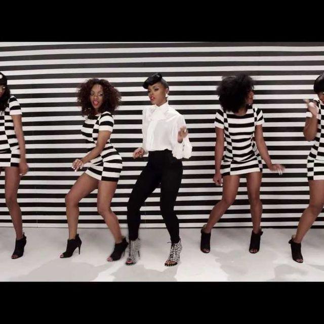video: Janelle Monáe - Q.U.E.E.N. feat. Erykah Badu by nachobirdwatcher