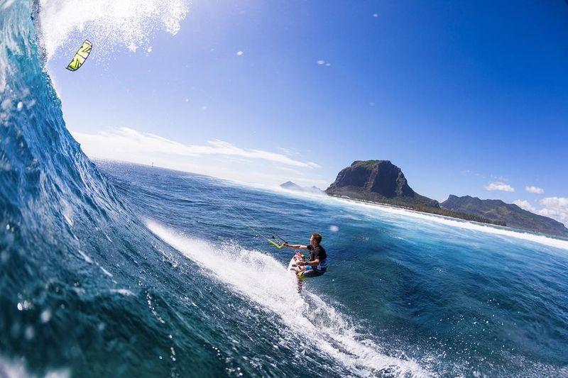 image: I want to go back to Mauritius! ? @Ydwer #WantToGoBack #mauritius #kevvlog #waves #throwback #kitesurfing #kiteboarding #ONeill #naish #xdubai by kevinlangeree