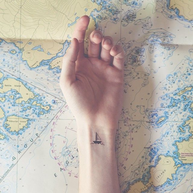 image: Tiny Tattoos With Parallel Backgrounds by andreagenova