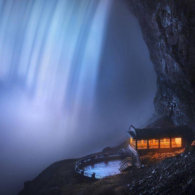 image: Niagara Falls by mindzeye