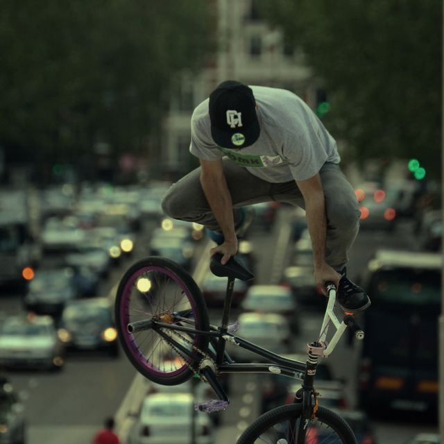 image: Riding in Madrid by alberto_moya