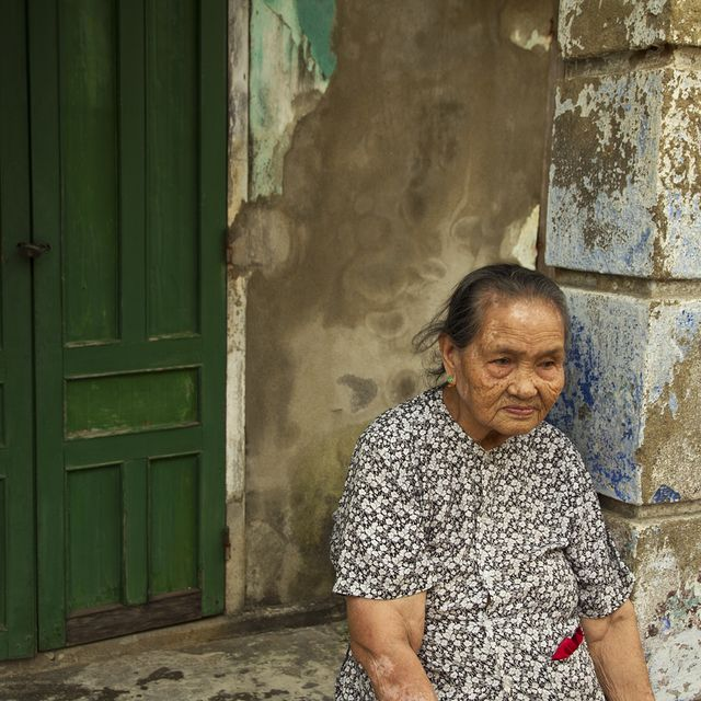 image: Elderly woman in Hoi An by rusy