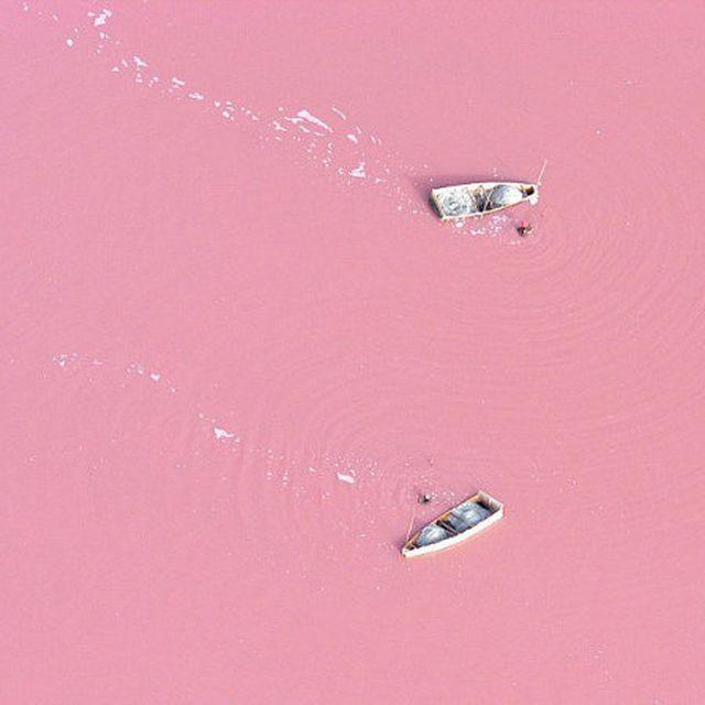 image: Lac Retba by arroyo